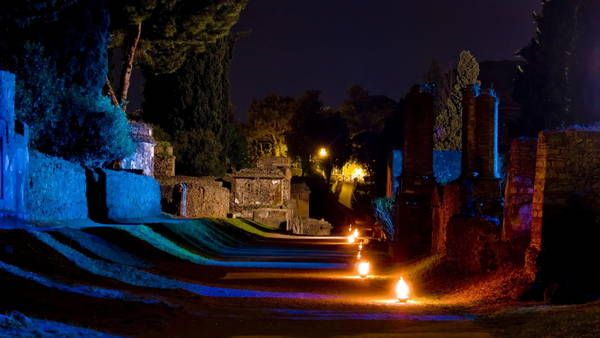 Pompei ed Ercolano di notte: è promozione integrata con Costa del Vesuvio